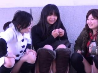 Japanese teens upskirt