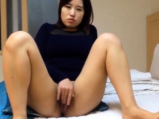 Really Beautiful Korean girl's juicy pussy with an increment of sex